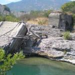 Μεσογέφυρα(ανατινάχθηκαν από τους Έλληνες)- Προς Μολυβδοσκέπαστο Κονίτσης